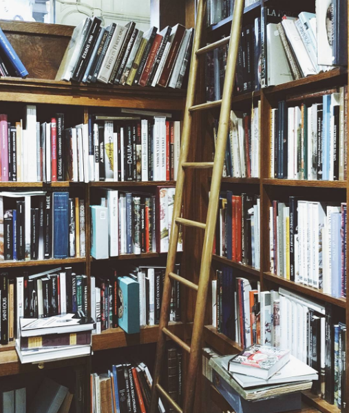 L'intérieur de la librairie du Passage Jouffroy dans le 9eme